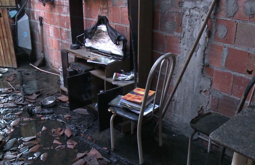 Homem ateia fogo em casa com esposa, enteada e filha de 6 anos em Fortaleza