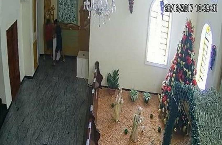 Ladrões invadem igreja de Tianguá e roubam dinheiro do ofertório das missas