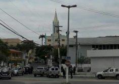 Os ladrões foram vistos pelo operador de videomonitoramento do Bradesco (FOTO: Reprodução)