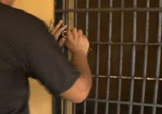 As carceragens em delegacias devem ser desativadas em 6 meses (FOTO: Reprodução/TV Jangadeiro)