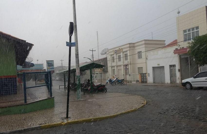 Choveu granizo em mais um município do Ceará; é a 6ª precipitação em três semanas