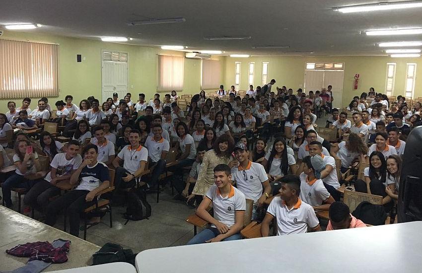 Escolas de Quixeramobim combatem o preconceito sexual com palestras aos alunos