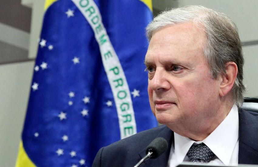 """""""Na nossa chapa não tem ninguém na Lava Jato"""", provoca Tasso, ao anunciar candidatura de oposição"""