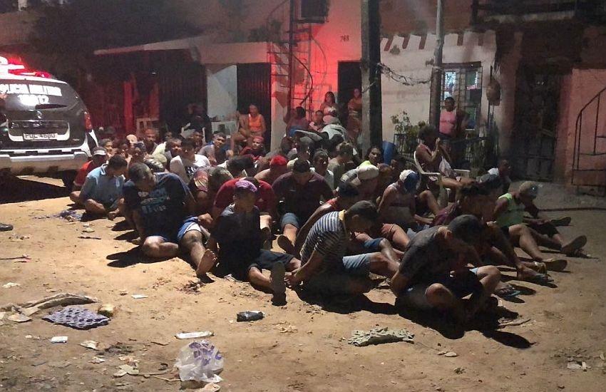 Operação da PM detém 67 pessoas em festa de Carnaval de facção criminosa em Fortaleza