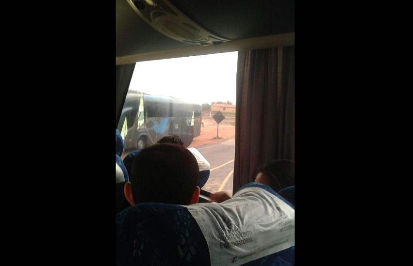 Homens encapuzados invadem ônibus e executam passageiro em Tamboril