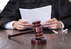 Mesa de um juiz
