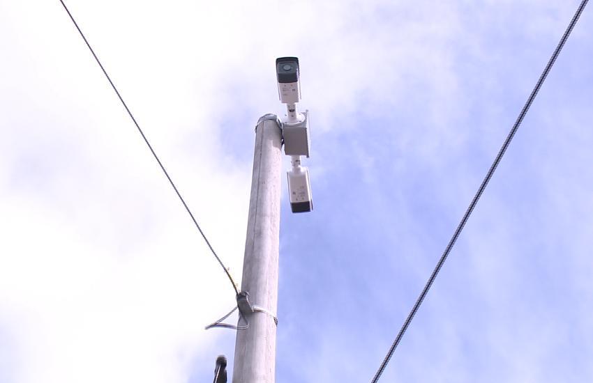 Bandidos roubam câmeras da Polícia instaladas para combater o crime em Fortaleza