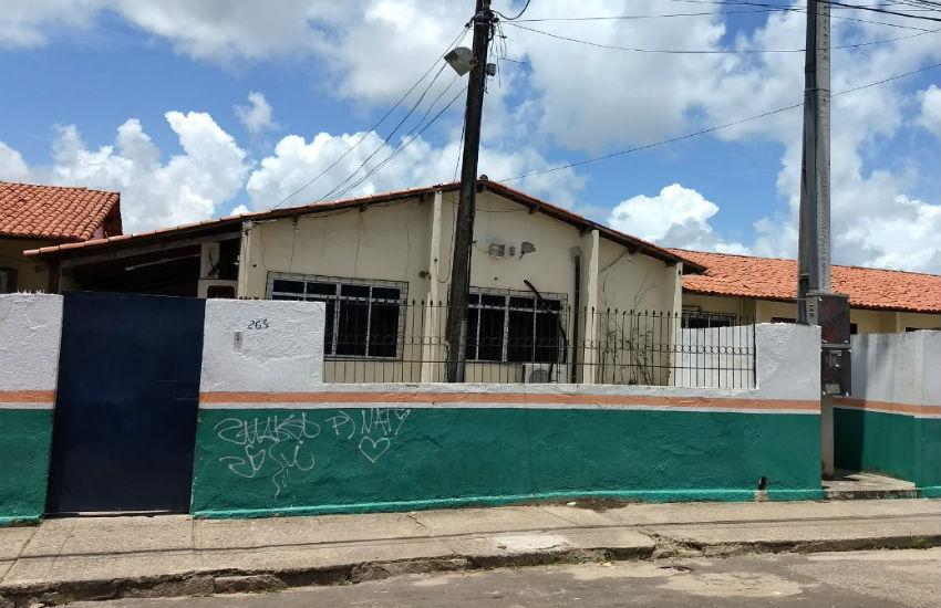Aluna e professor são feridos por tiro durante assalto em escola em Fortaleza