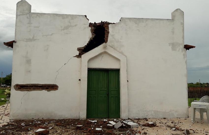 Igreja é atingida por raio durante chuva no interior do Ceará