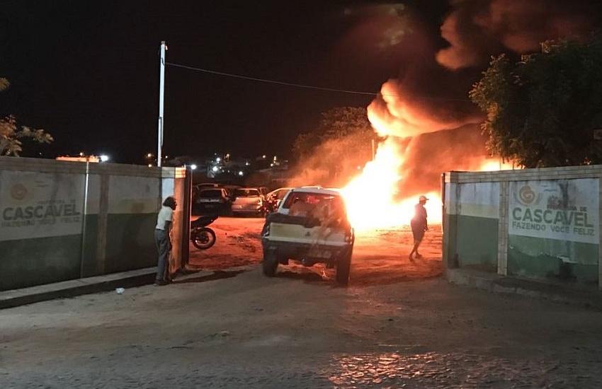 120 veículos são incendiados em onda de ataques no fim de semana no Ceará