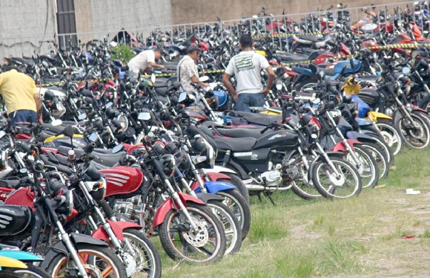 Detran realiza leilão com motos de R$ 500 e carros de R$ 3 mil
