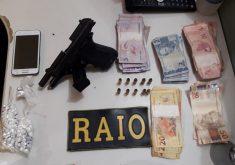 armas, dinheiro