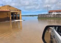 Chuva é a maior em Icapuí desde 1988. (Foto: Reprodução/Lacerda Icapuí/Facebook)