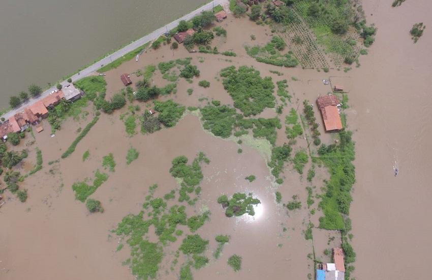 Nível do Rio Coreaú sobe e alaga a cidade de Granja nesta sexta
