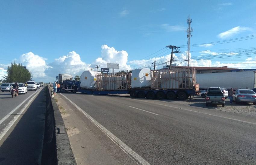 Carreta tem pane elétrica na BR-116 e provoca engarrafamento de 4 quilômetros