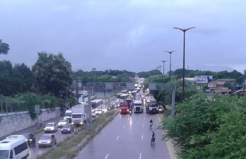 Caminhoneiros mantêm bloqueios em rodovias mesmo após acordo com o Governo; Veja lista