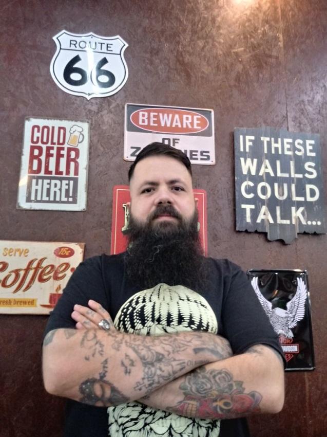rafael-lucena-emprego-barba