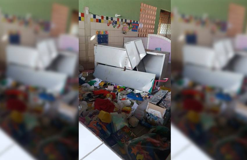 Vândalos invadem escola pública de Fortaleza, destroem estrutura e roubam equipamentos