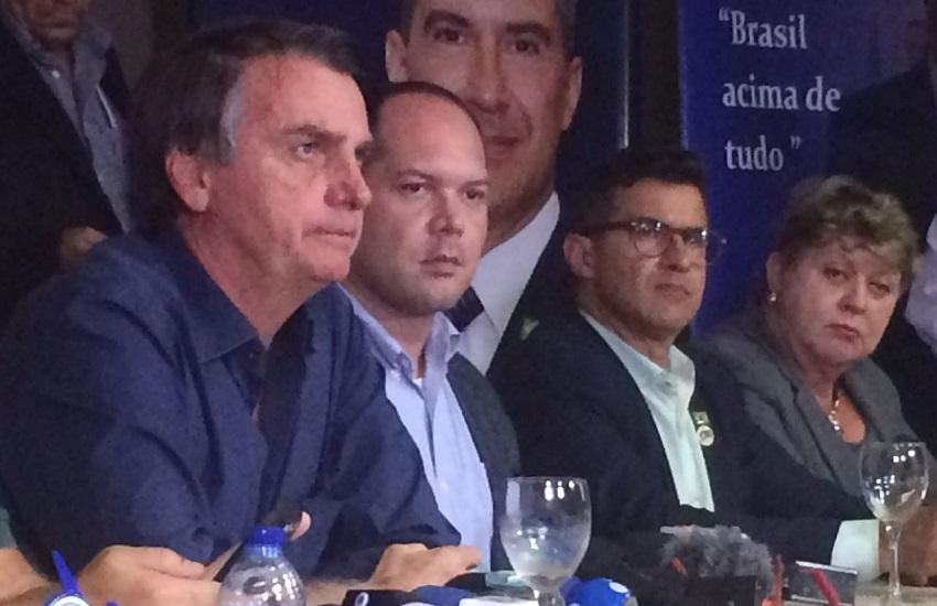 """Bolsonaro diz que é rejeitado por rótulos de ser """"contra mulher, negro, nordestino e marciano"""""""