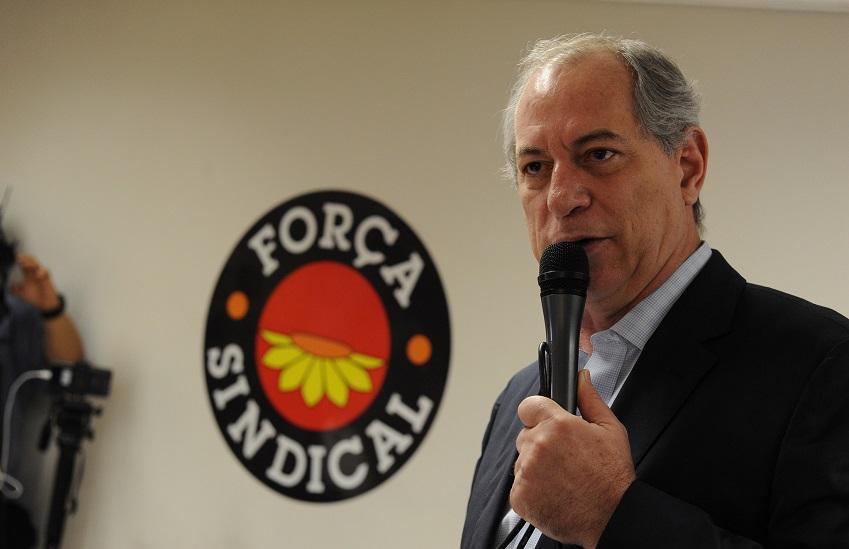Ciro Gomes se envolve em nova polêmica e deixa palco sob vaias em Minas Gerais