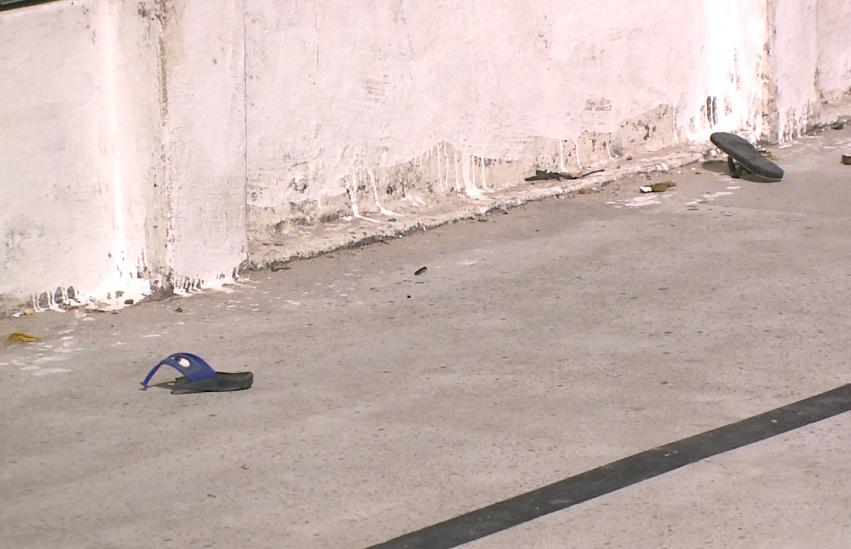 Duas crianças e um adolescente são baleados quando brincavam em praça de Fortaleza