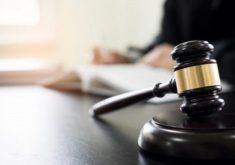 Martelo de juiz em referência a OAB pede 1 milhão por juiz que chamou advogada de desqualificada em audiência
