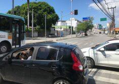 10 semáforos estão com o problema (FOTO: Pâmela Marinho/TV Jangadeiro)