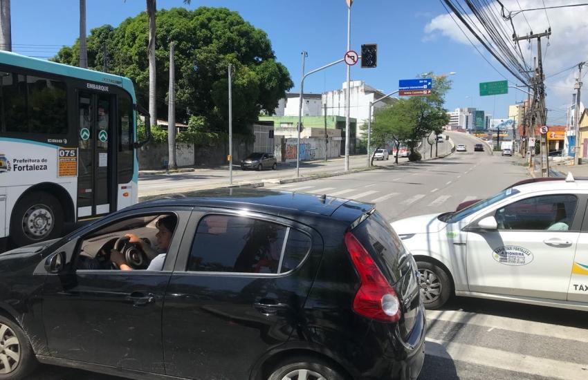 Furto de cabos elétricos desativa semáforos na Avenida 13 de Maio