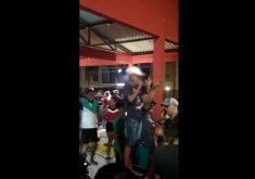 Vídeo de adolescente cantando RAP