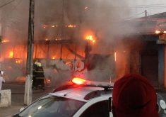 12 ônibus foram atacados até as 18h deste sábado (28) (FOTO: Reprodução Whatsapp)