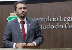 Elmano de Freitas disse que não há possibilidade de apoiar Eunício. (Foto: AL-CE)
