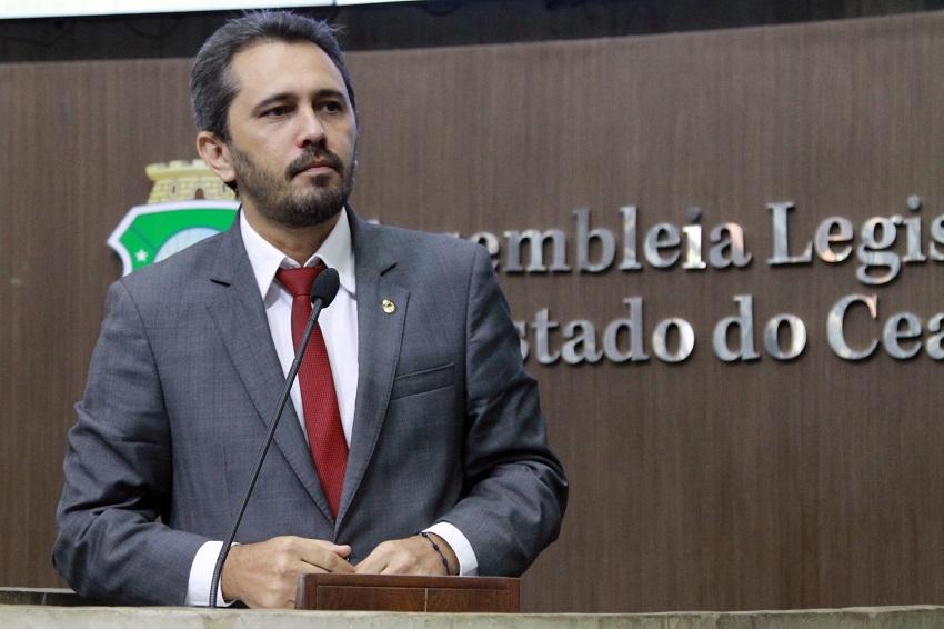 """Apesar do apoio de Camilo a Eunício, petistas dizem que não apoiarão """"um dos cabeças do golpe"""""""