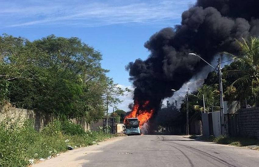Fortaleza registra novo ataque a ônibus neste sábado; Já são 11 veículos atacados