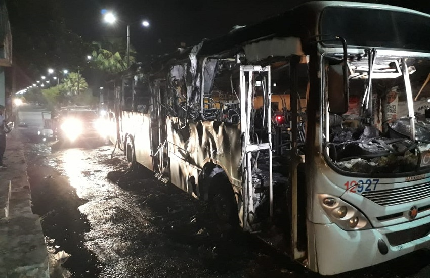 Frota de ônibus de Fortaleza é reduzida a 30% nesta sexta, por segurança contra ataques