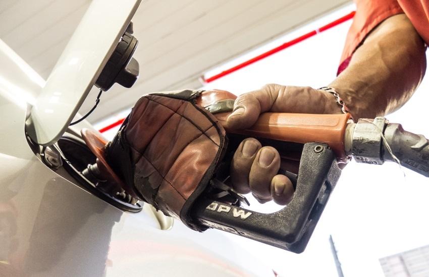 Postos de combustíveis fecharão em protesto à nova taxa da Prefeitura