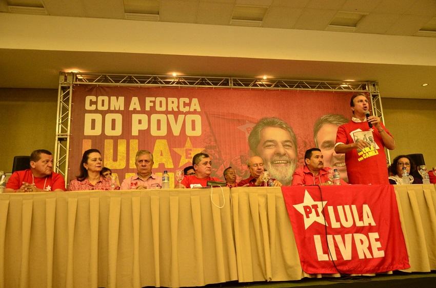 PT abre mão do Senado, acata Cid Gomes como candidato e Eunício fica de fora