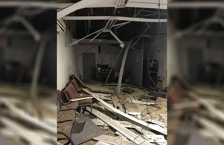Bandidos sitiam cidade no Ceará e explodem banco para roubar dinheiro de caixas