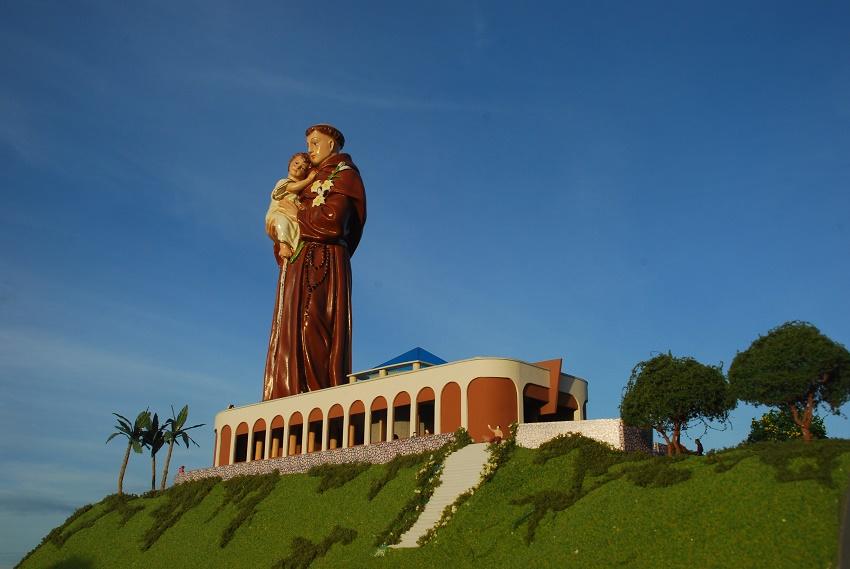 Santo sem cabeça será enfim concluído, e Caridade terá maior estátua sacra do Brasil