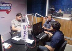 Cid Gomes na rádio em referência a Cid Gomes e a arte do possível