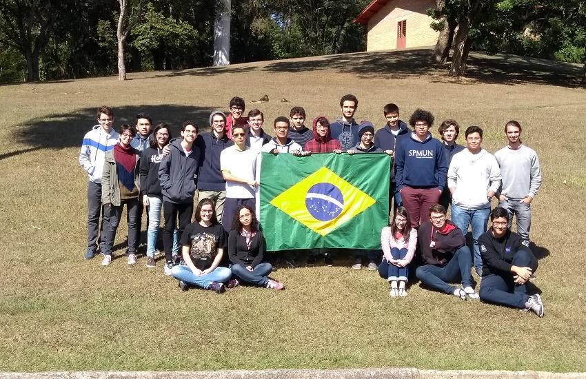 Cearenses formam a metade da equipe que representará o Brasil em olimpíadas de astronomia
