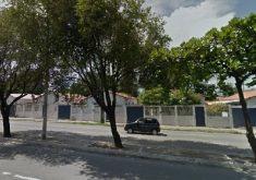 Casas na rua em referência a MPF apura a legalidade de vendas de imóveis do Exército no Ceará