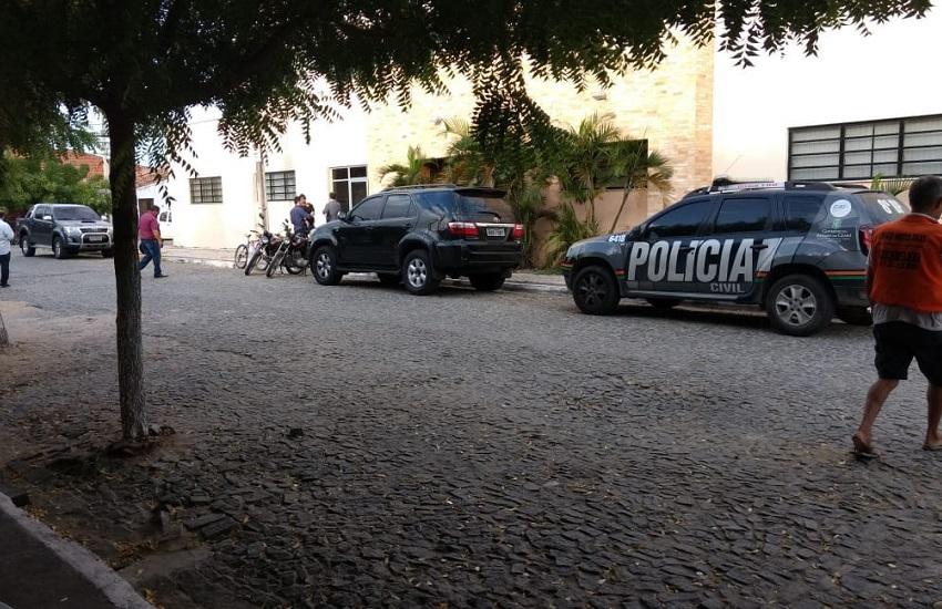 Operação afasta prefeito e secretários de Quixadá por suspeita de desvio de dinheiro público