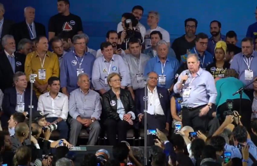 """""""É possível governar o Brasil com decência, dignidade, honestidade e competência"""", diz Tasso"""