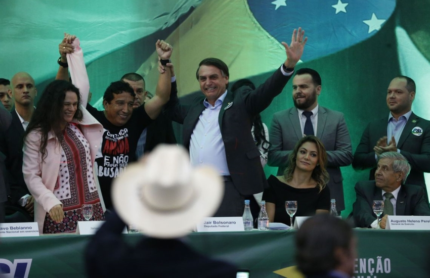 Bolsonaro lidera com 28%; Haddad cresce e chega a 22%