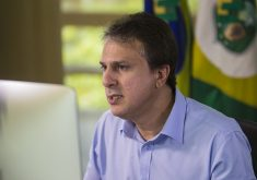 Camilo Santana pediu a remoção dos vídeos e a proibição de novas publicações sobre a educação em Sobral. (Foto: Divulgação / Governo do Estado)