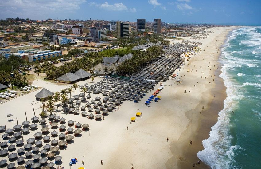 Barraca da Praia do Futuro é proibida de impedir circulação de pessoas e comércio ambulante