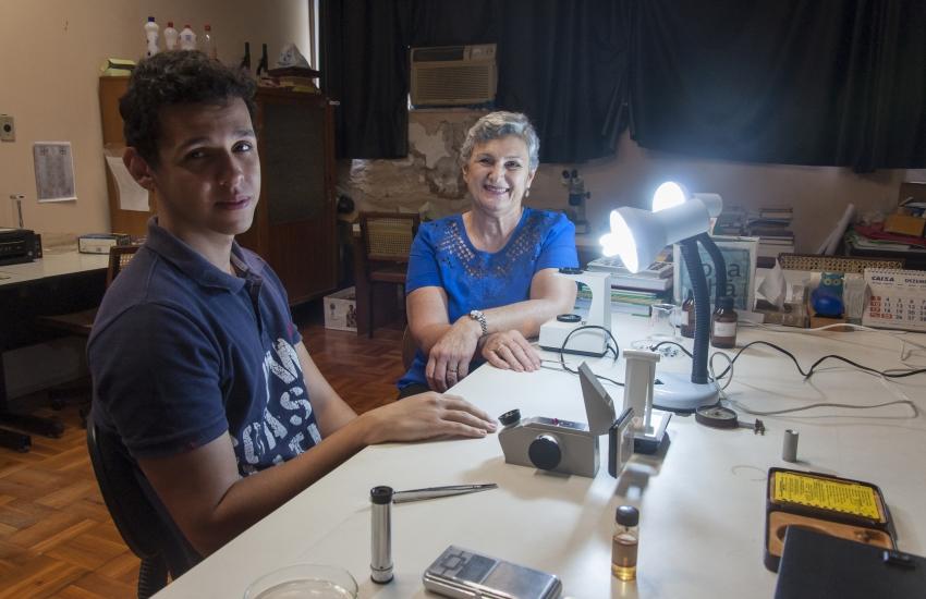 Cearense desenvolve aparelho que identifica o tipo das pedras preciosas
