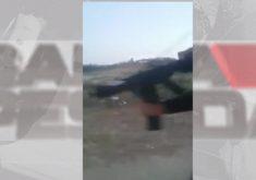 Arma em referência a Polícia investiga vídeo em que homens de facção criminosa atiram contra comunidade em Maranguape