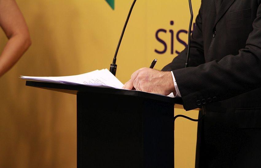 Você lembra os nomes dos 13 concorrentes ao Senado pelo Ceará? Perguntamos aos candidatos
