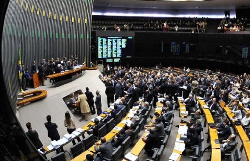 Bolsonaro deve ter oposição da maioria dos deputados e senadores do Ceará